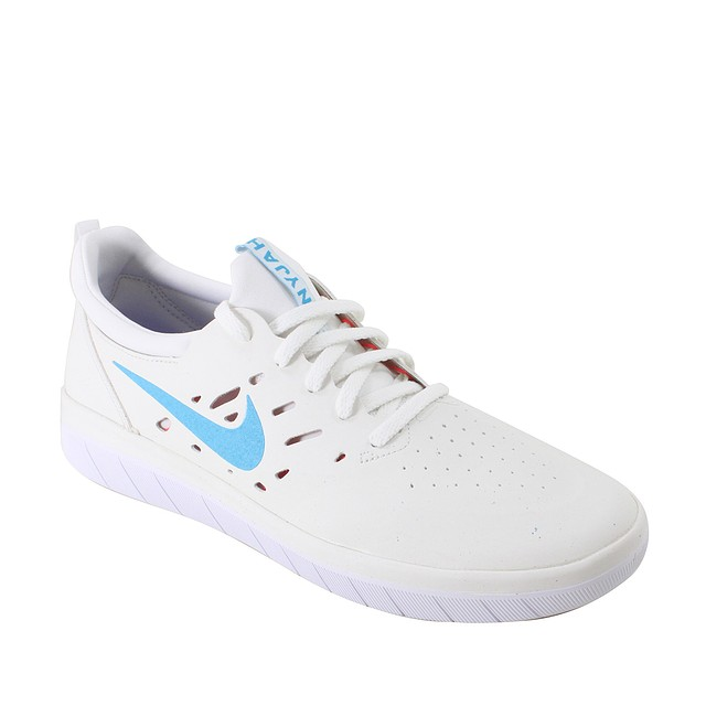 Nike SB Nyjah Free Summit White / Solar Red / White / Light Blue Fury