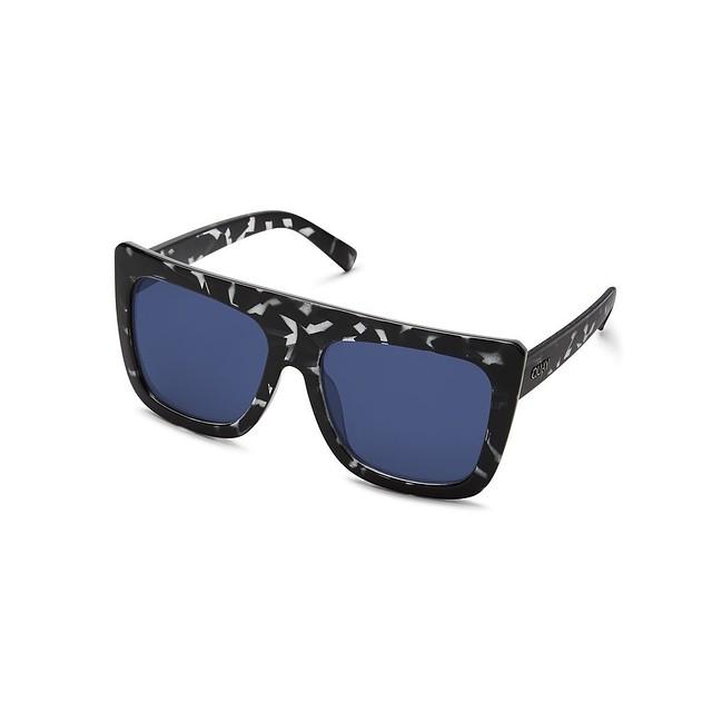 Quay Australia Cafe Racer Black Tort/ Blue Mirror