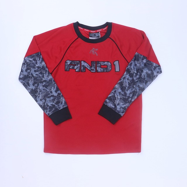 <h1> Athletic Top</h1> <h2>size: 10-12 Years</h2>