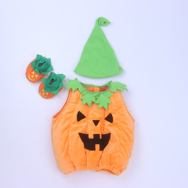 <h1>3-pieces Costume</h1> <h2>size: 6-9 Months</h2>