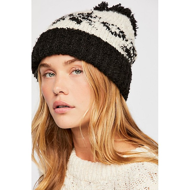 Free People Snow Bird Pom Black / White