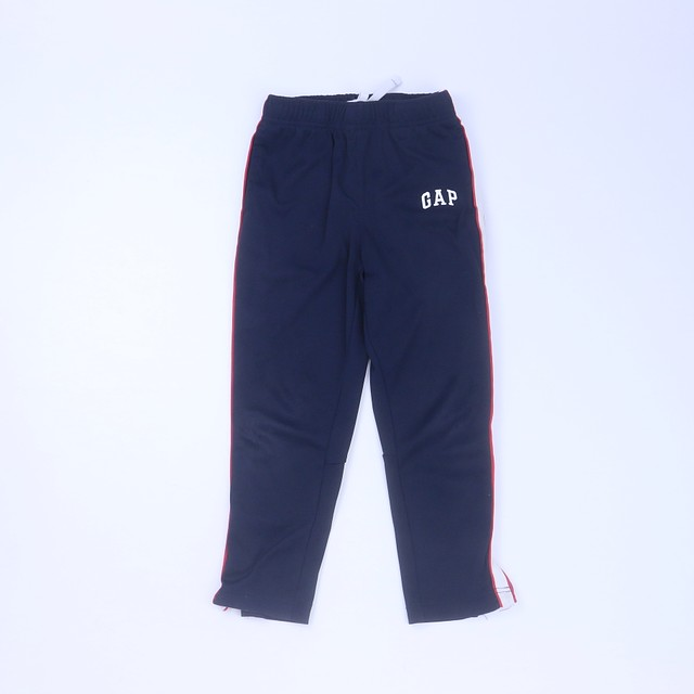<h1> Athletic Pants</h1> <h2>size: S (6-7 Years)</h2>