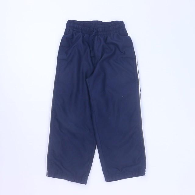 <h1> Athletic Pants</h1> <h2>size: 4T</h2>
