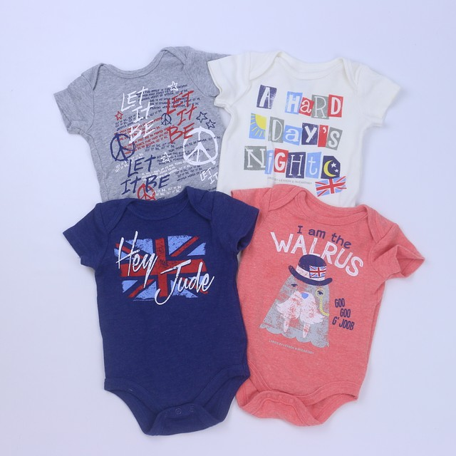 <h1>4-pieces Onesie</h1> <h2>size: 0-3 Months</h2>