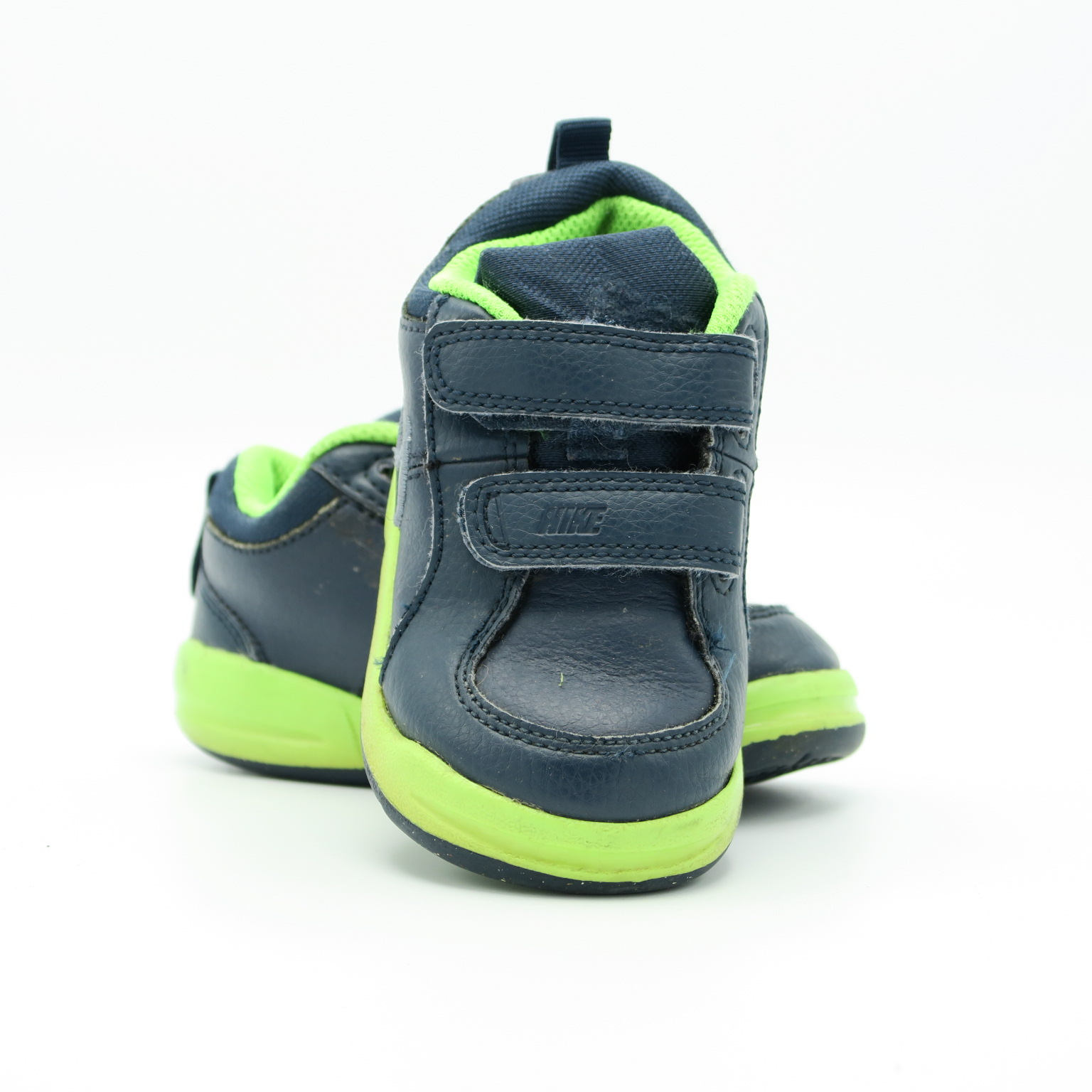 ffc44f32c8 Sneakers size: 6 Toddler - The Swoondle Society