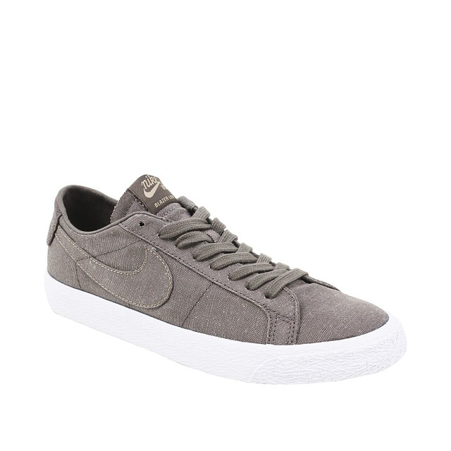 Nike SB Zoom Blazer Low Canvas Ridgerock Grey