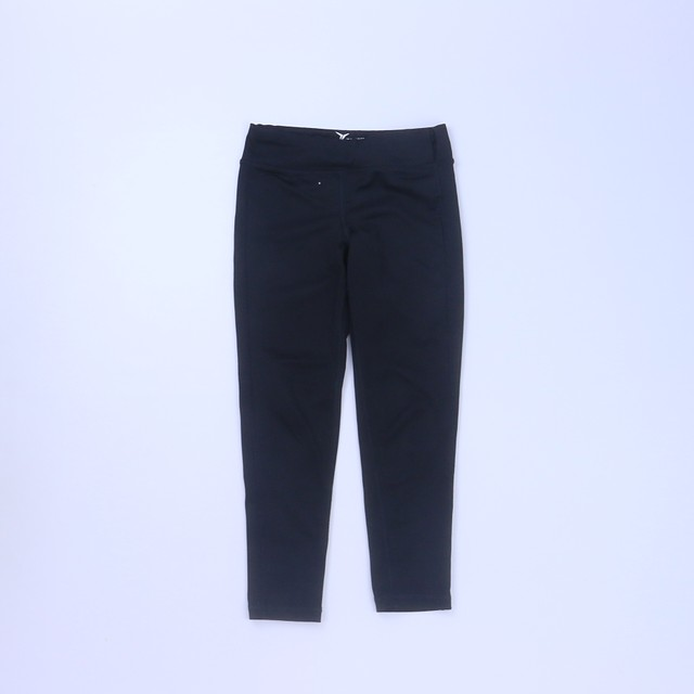 <h1> Athletic Pants</h1> <h2>size: 6-7 Years</h2>