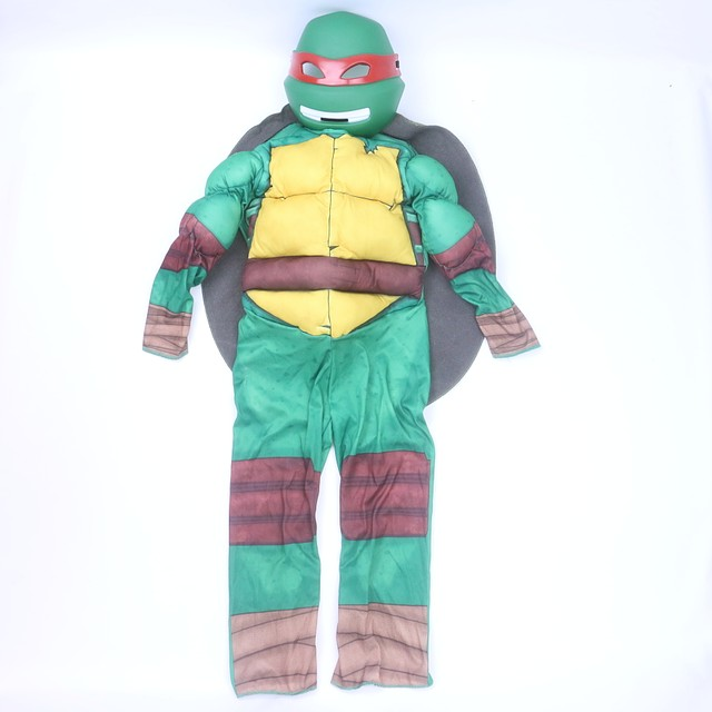 <h1>3-pieces Costume</h1> <h2>size: *4-5T</h2>