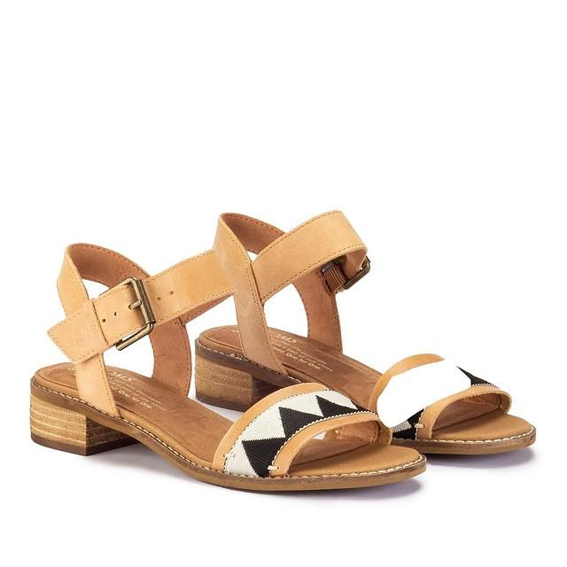 abf3b367bda Toms Womens Camilia Honey Leather Sandals Black Tribal 7 New