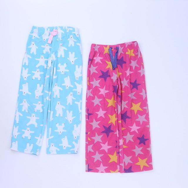 <h1>Set of 2 Pajamas</h1> <h2>size: 4-6 Years</h2>